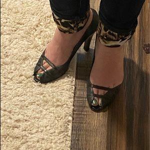 Kenneth Cole Sexy Open toe heels